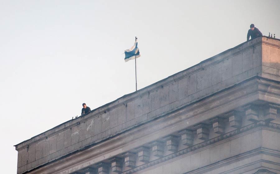 Одесса. Дом профсоюзов. Боевики на крыше. Пробраться туда можно только имея ключи - Одесский Политикум